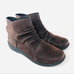 Clarks Sillian Sway Cloud Steppers Ankle Bootie
